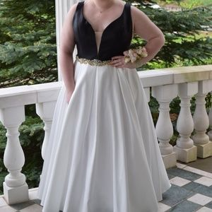 Dresses & Skirts - Black and White Evening Gown